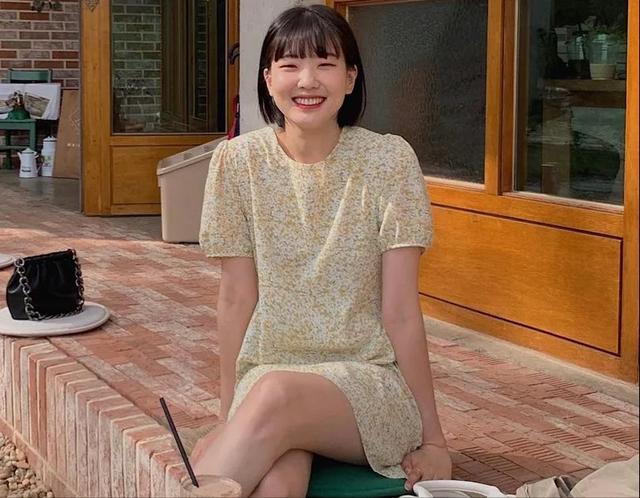 裙子简笔画连衣裙