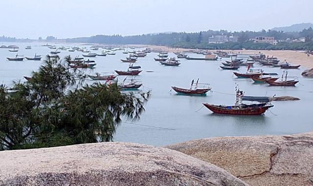 鲜美的生猛海产,钦州的三娘湾传说和神秘的龙门七十二泾!