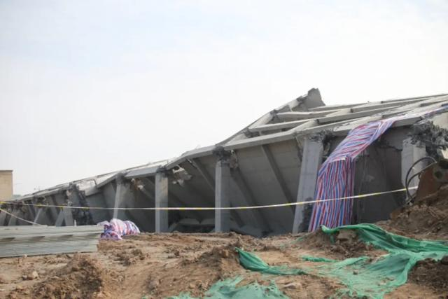 运城 盐湖区对姚孟办两栋违建成功实施爆破