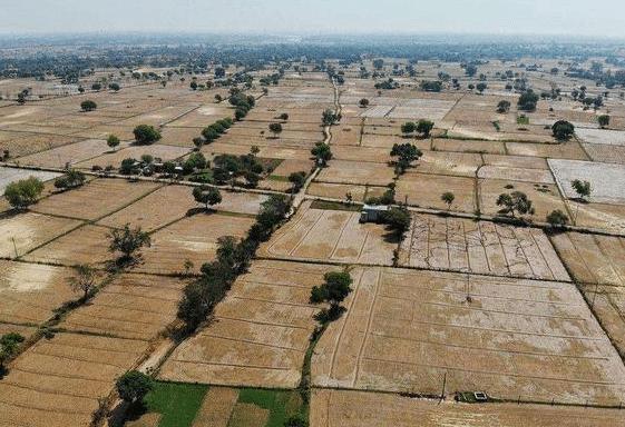 三大邻国相继断水,印度几千万人没水喝,莫迪这回要头疼了