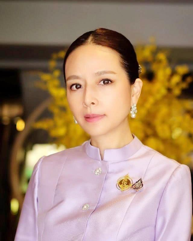 东莞太子酒店美女照片