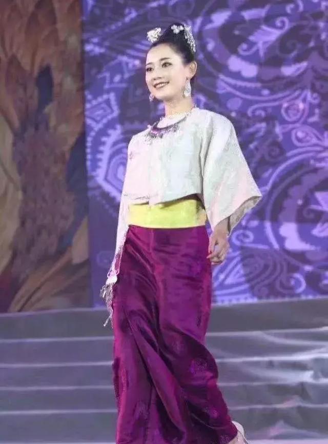 传统傣族节日服饰才是最美的风景 - 傣族服饰文化爱好者 - 简书