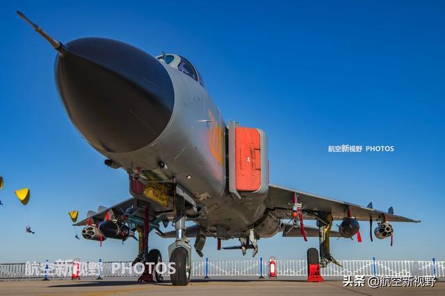 现役最新的高空高速截击机,美名空中美男子,900mm雷达是亮点