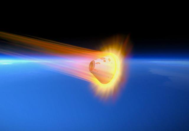 飞船同样穿过大气层,为何返回时会有高温,而升空时没有?