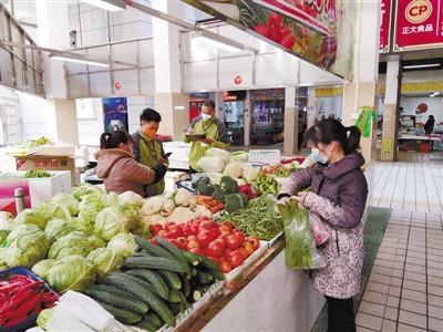 龙岩中心城区韭菜园市场40家摊位陆续开张