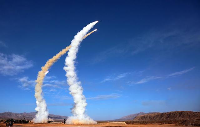 1万枚重型远火,比1千枚短程弹道导弹好用又便宜