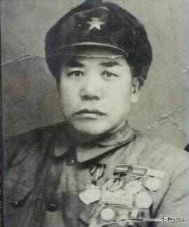 战斗英雄吕俊生,单挑27个日军,歼敌60余人,堪称... _东方头条