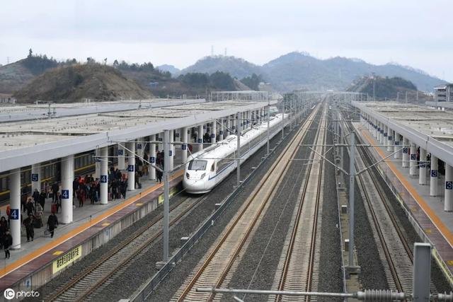好消息!大家期待的渝昆铁路开工时间已初步确定,就在今年9月底