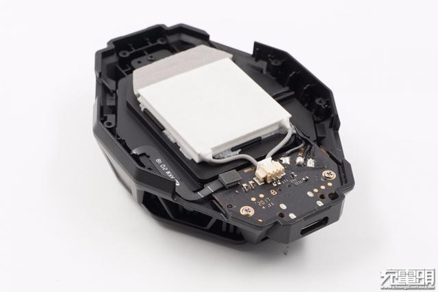 黑鲨游戏手机3冰封散热背夹PRO拆解,这制冷晶片和导热垫不一般