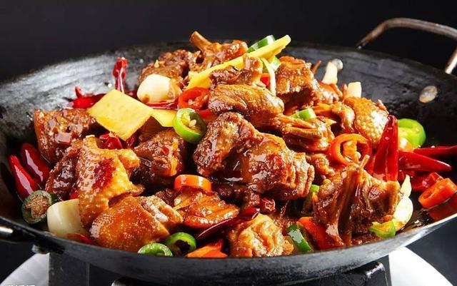 香辣干锅鸡的做法_香辣干锅鸡怎么做_梦桃缘的菜谱_美食天下