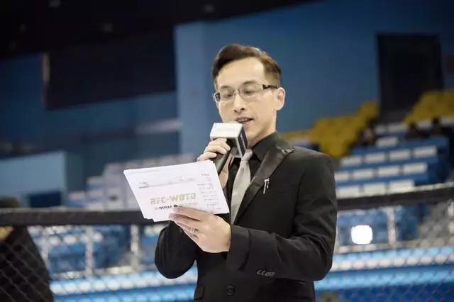 金牌解说蔡志贤评价武林风:拳手们能登上这个擂台都是值得珍惜的
