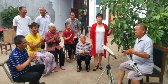 襄城县上秦村:村民的生活处处充满阳光