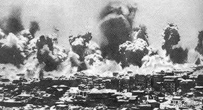 重庆大轰炸,防空洞最难之事:内急憋不住,如厕没地方