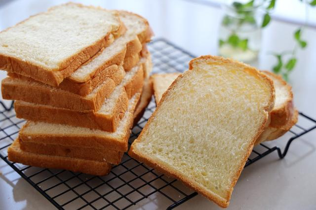 吐司這樣做太好吃了,放3天也柔軟,早餐做三明治方便又營養