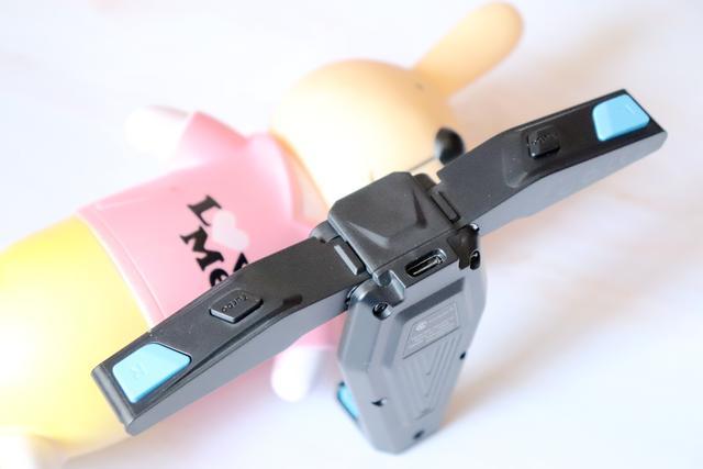 枪战游戏的全能辅助-盖世小鸡F4猎鹰游戏手柄