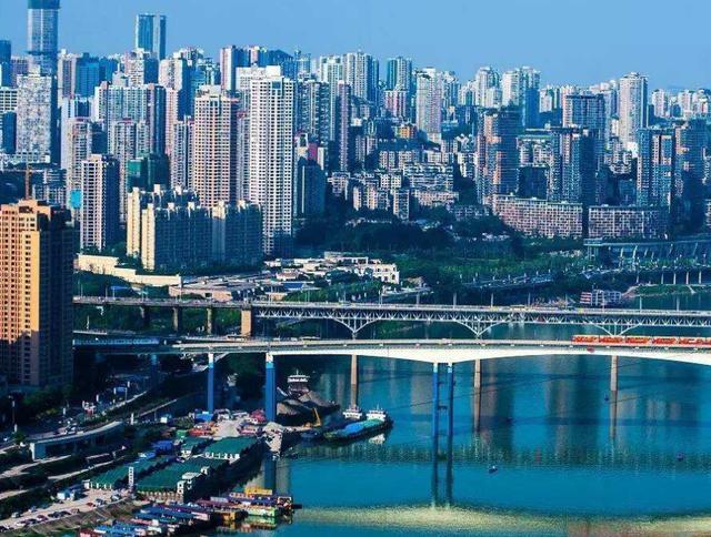 我国不爱说普通话的4座城市,方言连外地人都想学,广州成都上榜