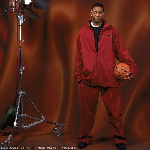 詹姆斯秒變1米5!2005年NBA全明星定妝照,真是越看越想笑…-籃球圈