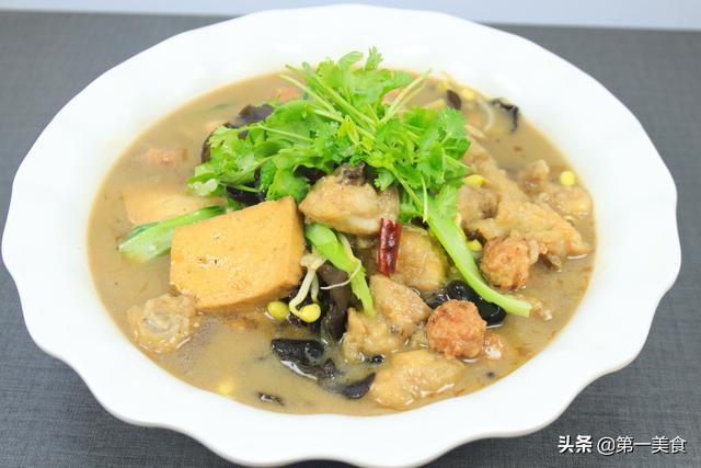 公众号发布地道的河南烩菜,做法简单粗暴,荤素搭配营养全面,一锅不够吃