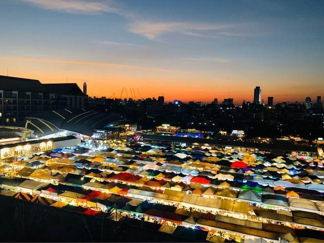 曼谷火车夜市旅游攻略_点评_地址_门票_开放时间,曼谷旅游景...