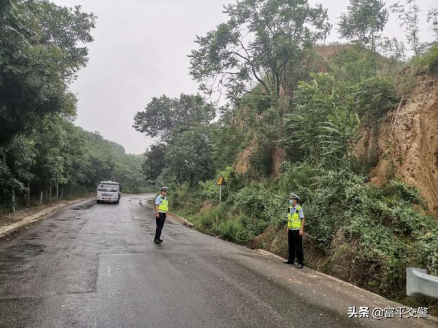 富平交警 :多策强化雨天道路交通管理