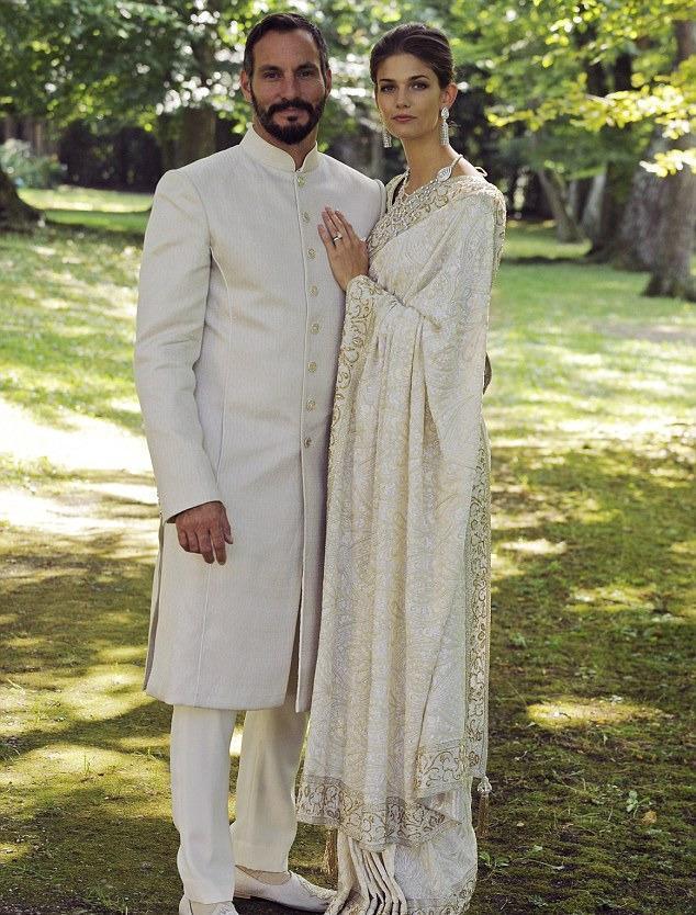 从美国超模逆袭成印度王妃!穿唯美纱丽太耀眼,生两个小王子太赞