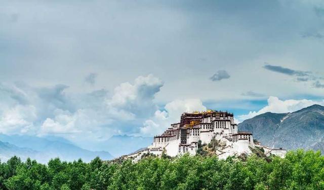 西藏布达拉宫内部图片