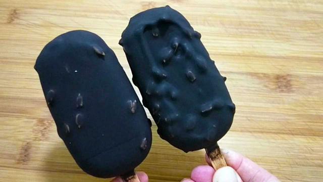 自制脆皮巧克力雪糕,全程详细讲解,咬一口嘎嘣脆,比买的还好吃