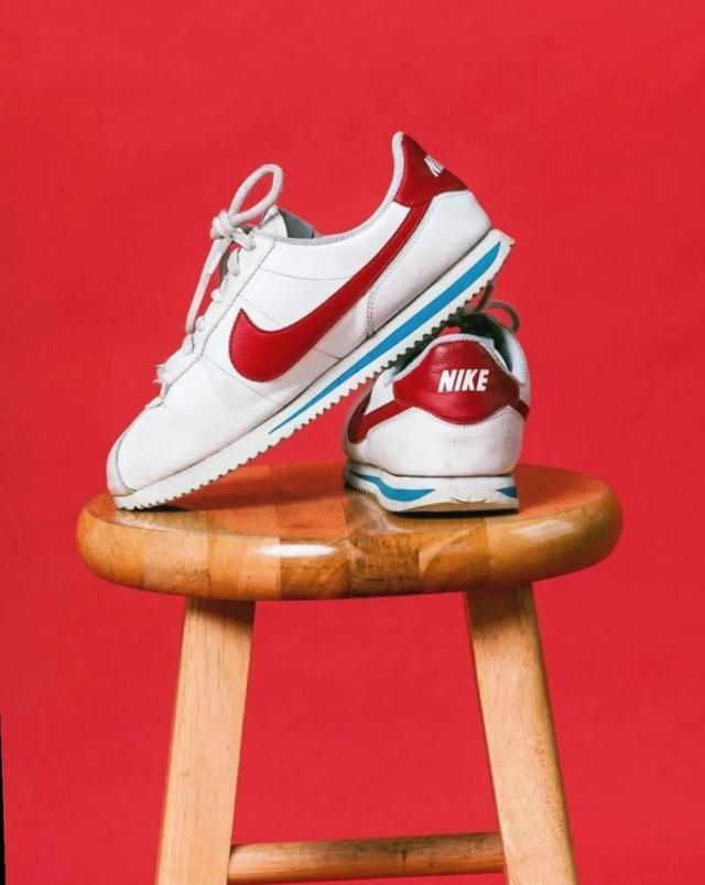 Nike历史上最经典的慢跑鞋之一 NIKE Cortez 阿甘鞋
