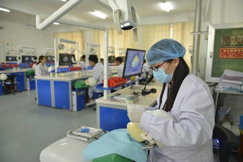 2020年口腔医学大专招生 口腔医学大专招生条件是什么?