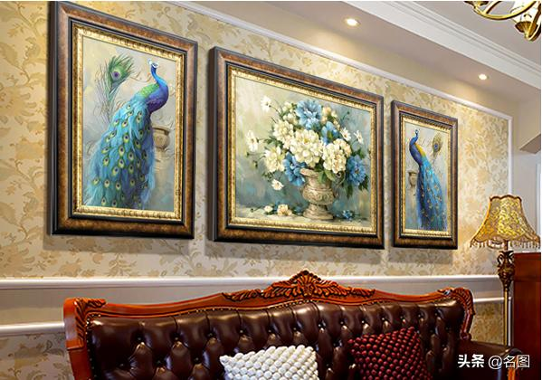 复古轻奢风格公寓大胆配色 亮色背景墙彰显年轻态度