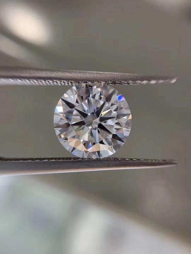 晶豆子珠宝成功推出D+IF级别莫桑钻,精心打造莫桑石戒指