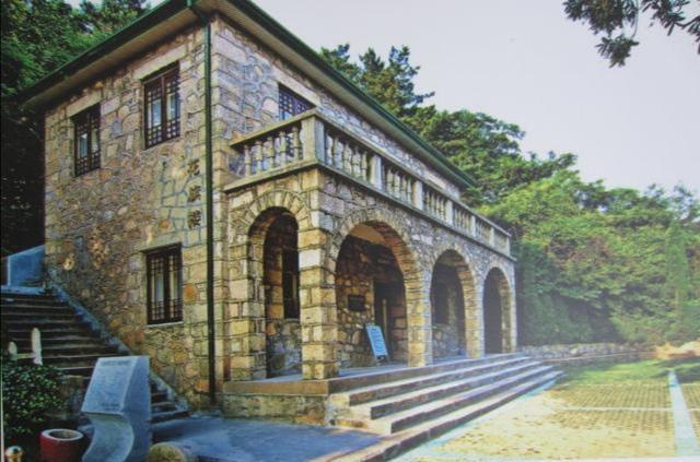 深圳大山里有几百栋欧式别墅,居然没有人居住、这是没人要吗seqingge 经济
