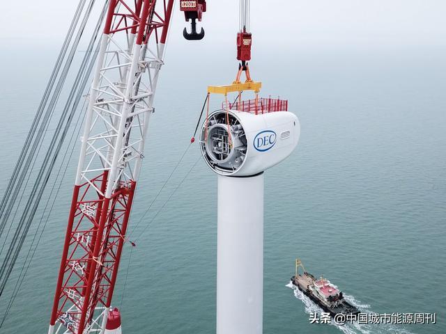 """又一""""中国制造""""!亚太单机容量最大海上风电机组并网发电"""