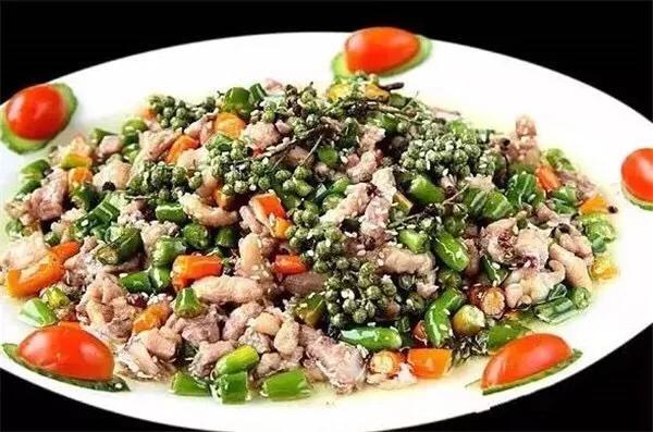 鲜辣青椒鸡的做法_鲜辣青椒鸡怎么做_菜谱_美食天下
