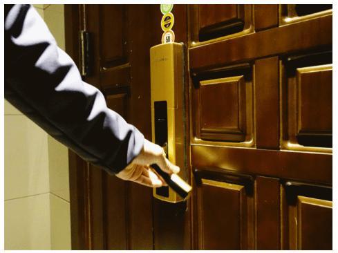 牛头牌门锁安装示意图