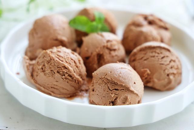 想吃冰淇淋別再出去買,在家簡單幾步就做好,比哈根達斯還美味