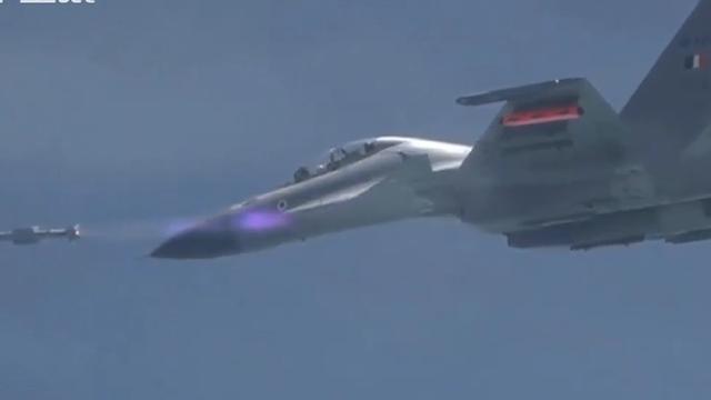 中国抢先列装直升机专用空对空导弹:令美国错失一项世界第一头衔