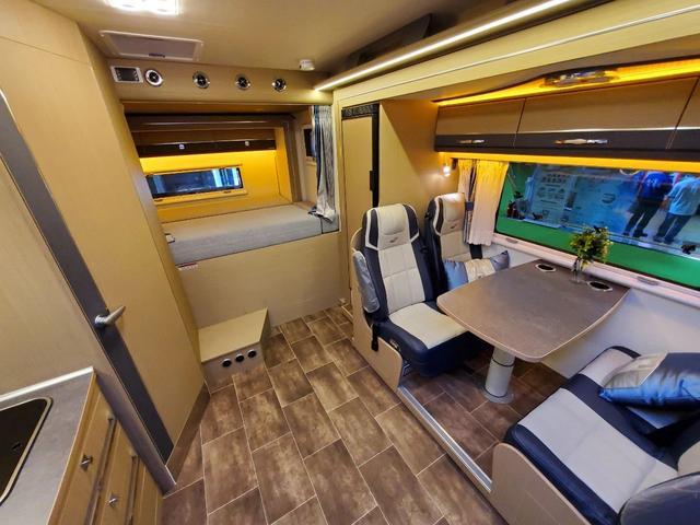 瑞弗 V820 C型房车 用旅行拓宽人生