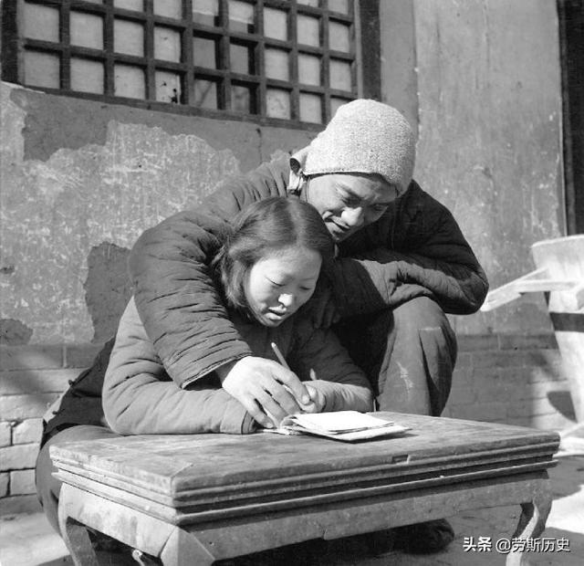 珍贵老照片:五十年代全民识字运动 全民扫盲识字
