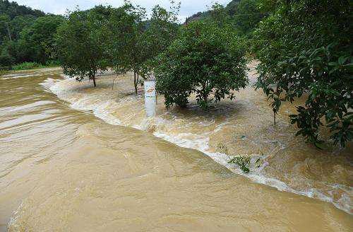 中国南方汛情引发全球关注,新加坡媒体:中国应灾能力远超22年前