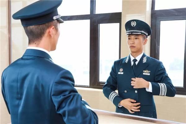 军队文职人员有无编制?解决户口、子女上学?点进来告诉你
