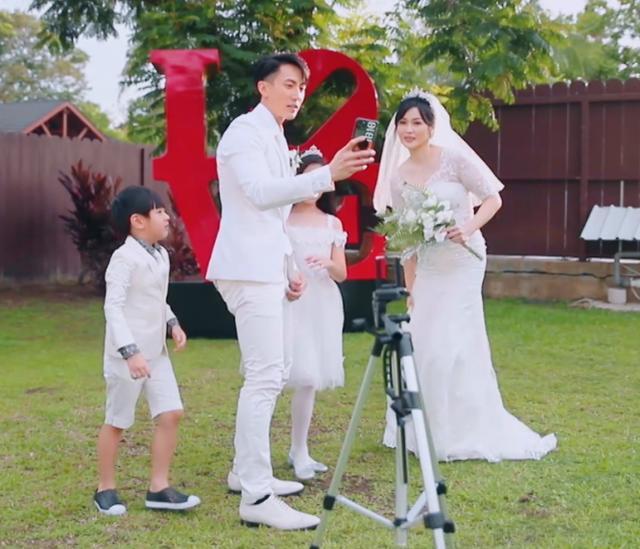 吴尊和女儿拍婚纱照老爸帅女儿美!甜甜蜜蜜惹人羡慕