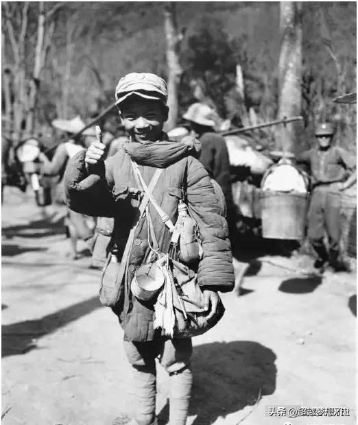 老照片上的娃娃兵到底是谁?一位84岁的老人,讲叙出了背后的辛酸