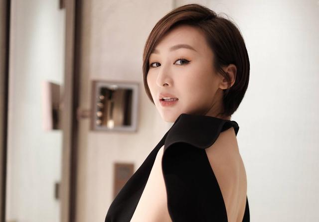 香港女明星巩俐性感图
