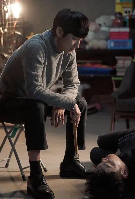 豆瓣9.0高分悬疑剧《邪恶之花》,结婚14年的老公是变态杀人犯