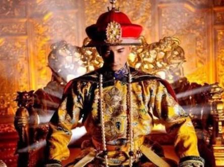 康熙遗诏200年后重现,将遗诏放大,1个字揭开雍正继位真相