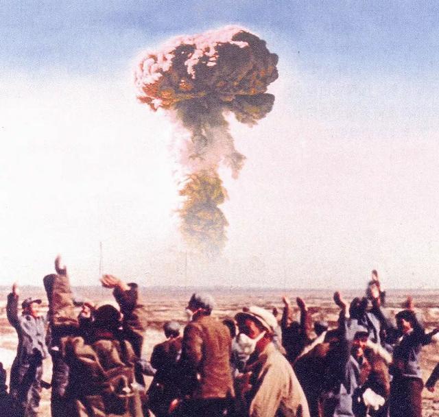 """绝密行动:为了运到罗布泊,我国第一颗氢弹还""""倒""""了一次车"""