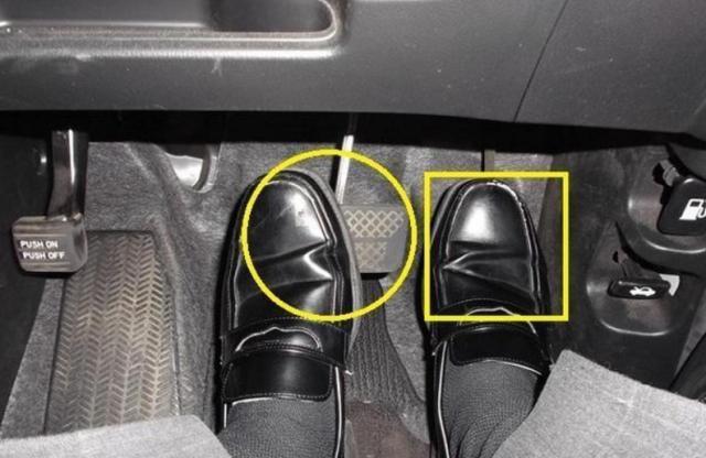 油门和刹车,为何不各放一边?你知道这是为什么吗?