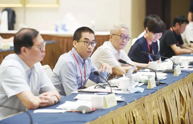 张敬华与外贸企业家吃早餐:南京将与大家一起努力化危为机共克时艰