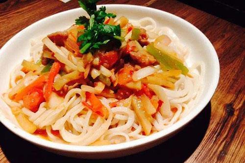 新疆吐鲁番市有什么出名的美食?_美篇